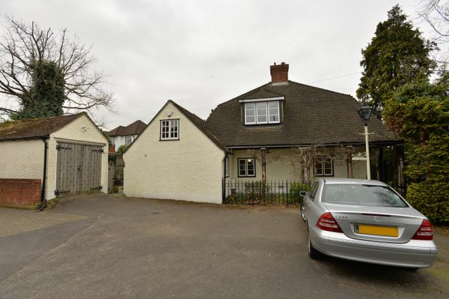 3 bedroom detached house for sale in Wickham Court Road, West Wickham