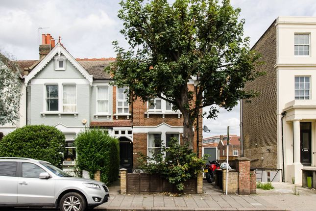Thumbnail Flat to rent in Old Devonshire Road, Balham