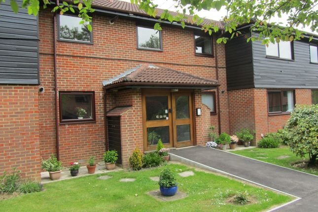 Thumbnail Flat to rent in Tadworth Street, Surrey