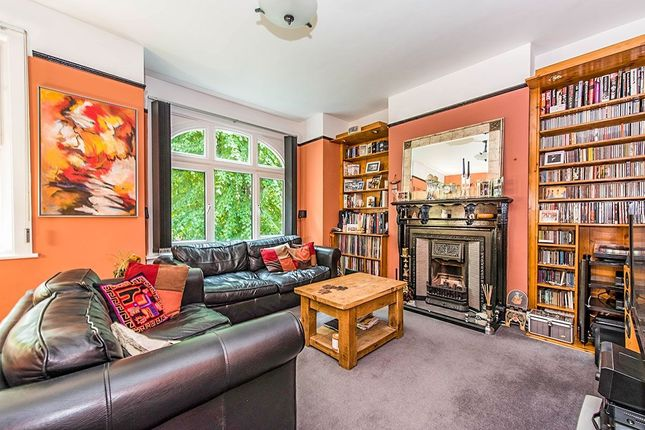 Thumbnail Flat for sale in Silver Crescent, London