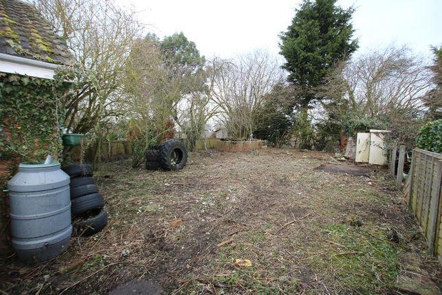 Outside of Fen Road, Little Hale, Sleaford NG34