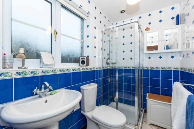 Ensuite of Chessington Close, Appleton, Warrington, Cheshire WA4