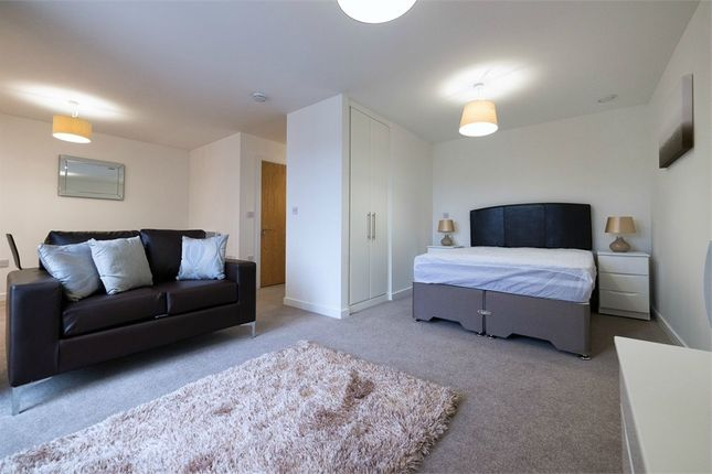 Studio to rent in Ferry Court, Cardiff, South Glamorgan CF11