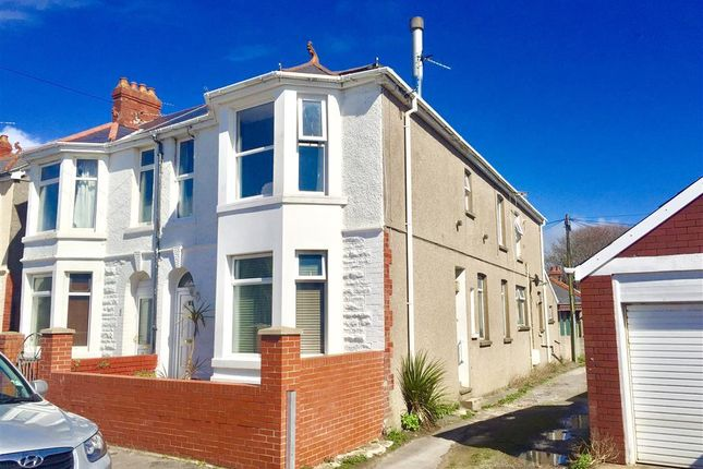 Thumbnail Flat to rent in Highfield Avenue, Porthcawl