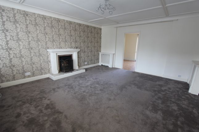 Thumbnail Detached house to rent in Edgehill Road, Purley