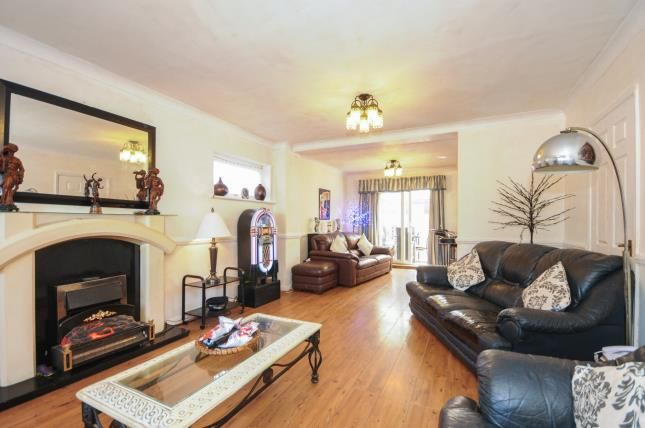 Thumbnail Detached house for sale in Furtherwick Road, Canvey Island