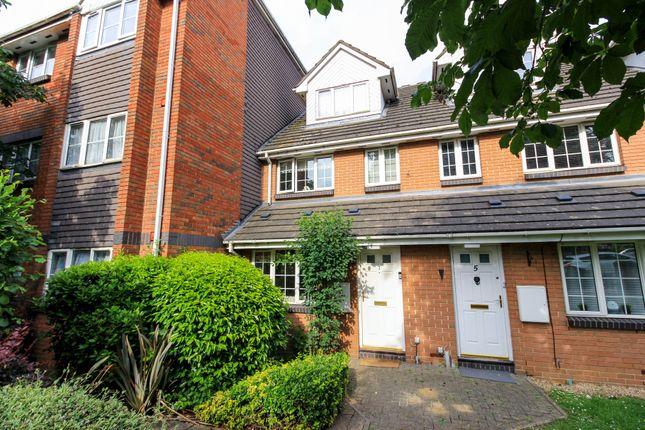 Thumbnail Maisonette for sale in The Croft, Friday Hill, London