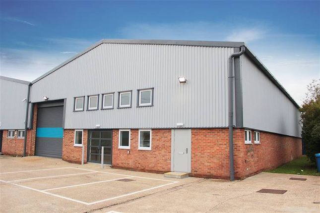 Thumbnail Warehouse to let in Unit 4, Clivemont Road, Cordwallis Industrial Estate, Maidenhead