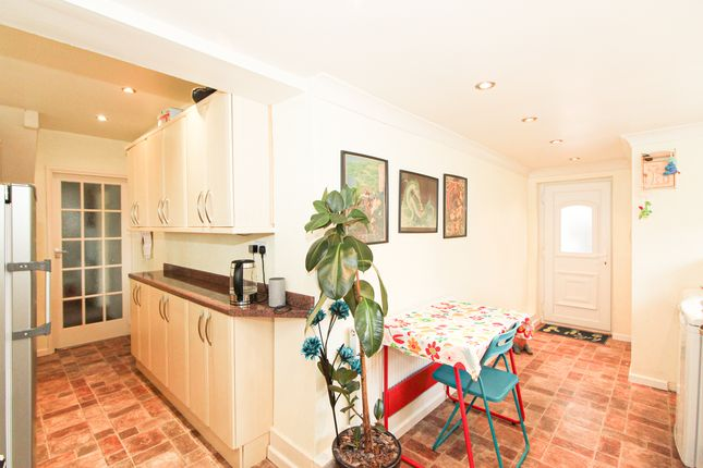 Kitchen of The Hill, Glapwell, Chesterfield S44