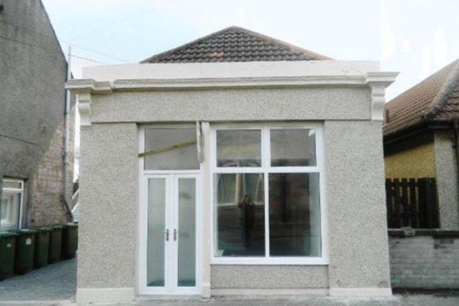 Thumbnail Flat to rent in Queen Street, Alva, Clackmannanshire