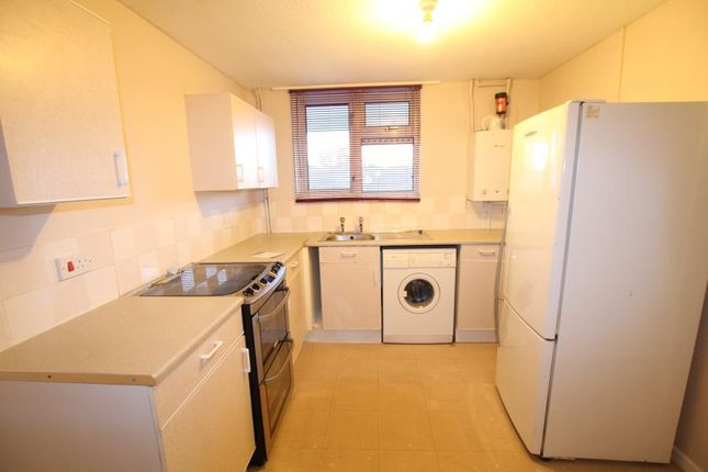 Thumbnail Maisonette to rent in Brookfield, Horsell, Woking