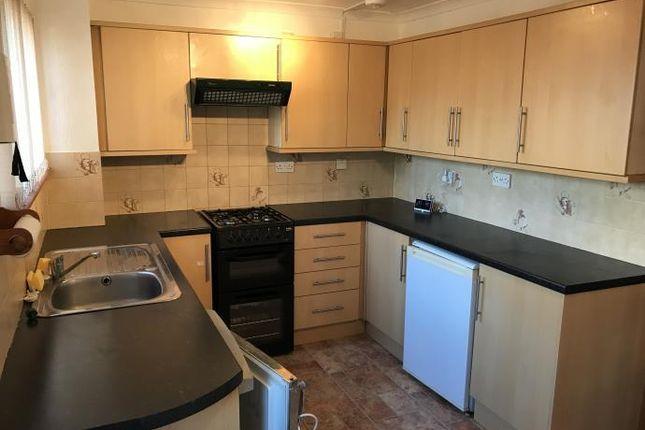 Thumbnail Flat to rent in Whiteshaw Avenue, Carluke