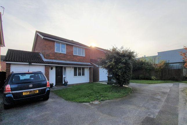 Thumbnail Detached house to rent in Hawks Farm Close, Hailsham