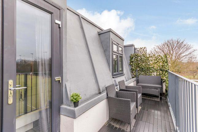 Flat for sale in Longmead Road, Epsom