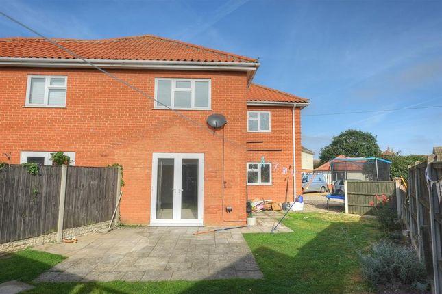3 bed semi-detached house for sale in Chapelfield, Reedham, Norwich NR13
