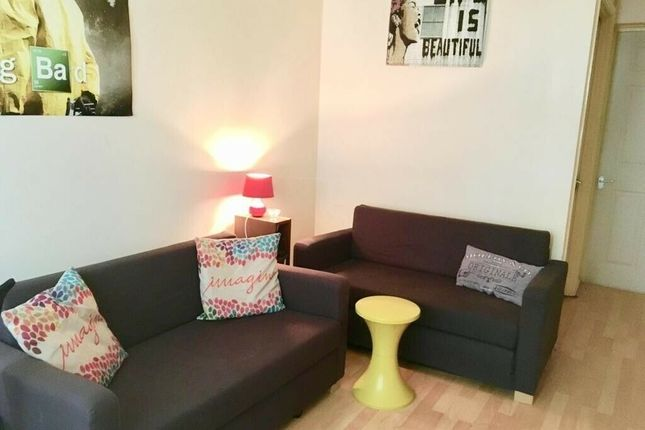 Thumbnail Town house to rent in Foley House, Tarling Street, London