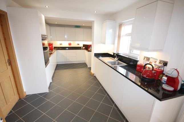 Link-detached house for sale in Wilkes Way, Bidford On Avon