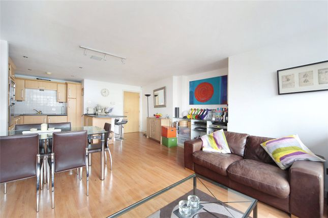 Thumbnail Flat to rent in Gateway House, Balham Hill, Clapham South, London