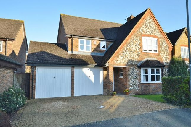 4 bed detached house for sale in Walnut Drive, Wendover, Aylesbury