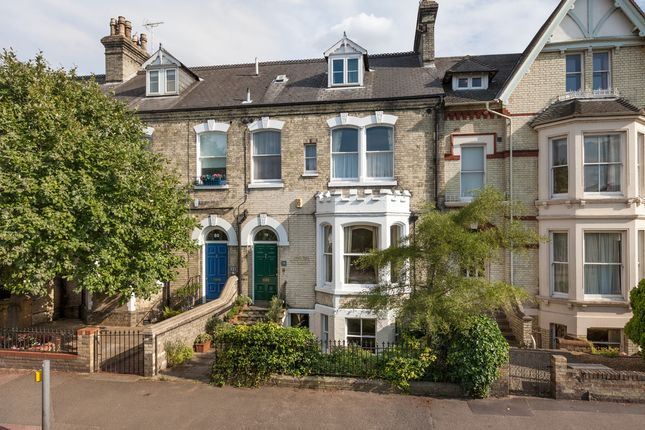 Thumbnail Terraced house for sale in Chesterton Road, Cambridge