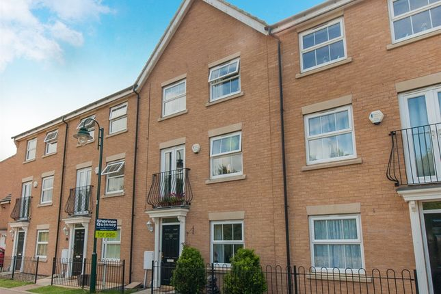 4 bedroom town house for sale in Guelder Road, Hampton Hargate, Peterborough