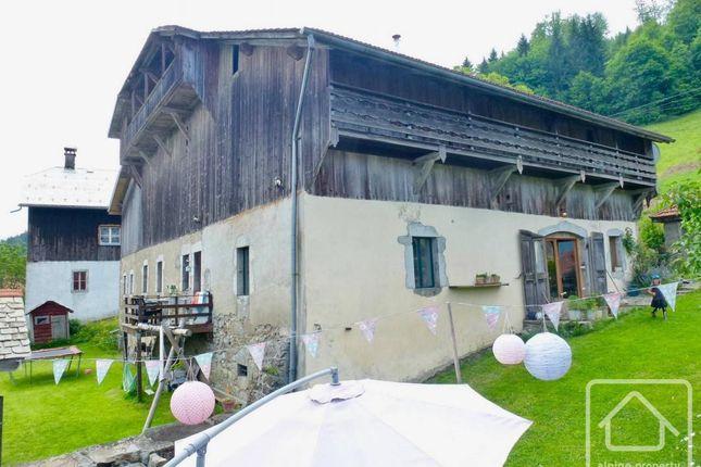Thumbnail Chalet for sale in Rhône-Alpes, Haute-Savoie, Saint-Sigismond