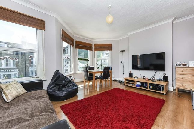 Thumbnail Flat to rent in Umfreville Road, London