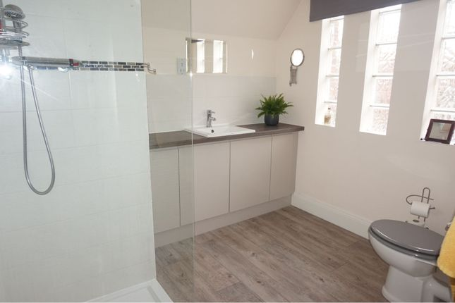 En-Suite of Home Farm Close, Kelham NG23