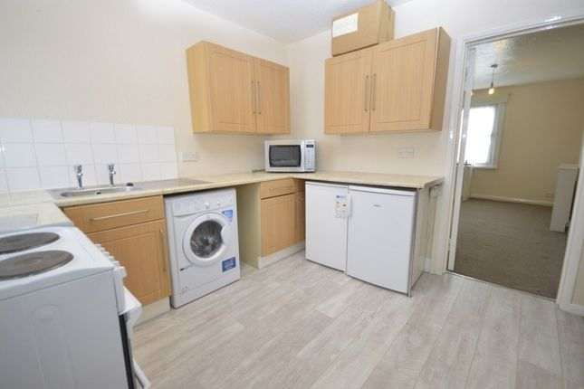 Thumbnail Flat to rent in High Street, Abbots Langley