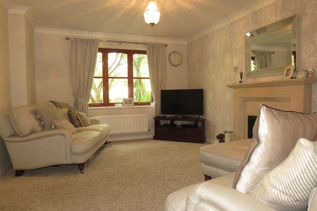 Thumbnail Property to rent in Rowborough Close, Hatton Park, Warwick