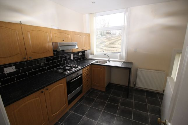 Thumbnail Flat to rent in Clifton Street, Sowerby Bridge
