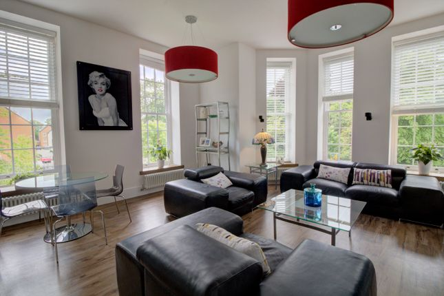 Thumbnail Flat for sale in Homestead Road, Chichester