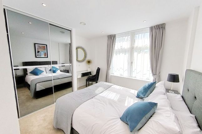 Thumbnail Flat to rent in Jewel House, Sterling Way, London