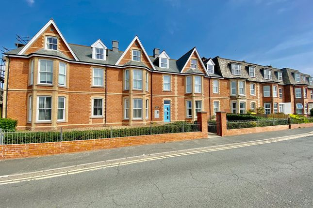 Thumbnail Flat to rent in Morwenna House, Summerleaze Crescent, Bude