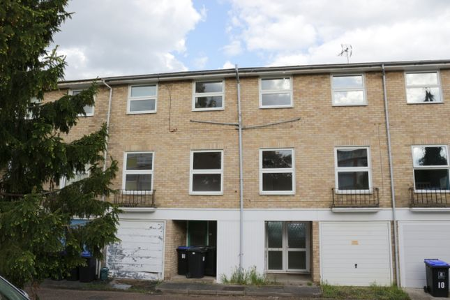 Thumbnail Terraced house for sale in Fairview Avenue, Woking