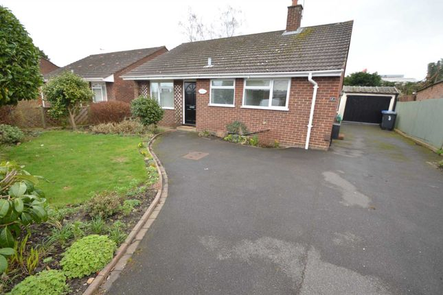 2 bed detached house to rent in Simons Close, Ottershaw, Chertsey