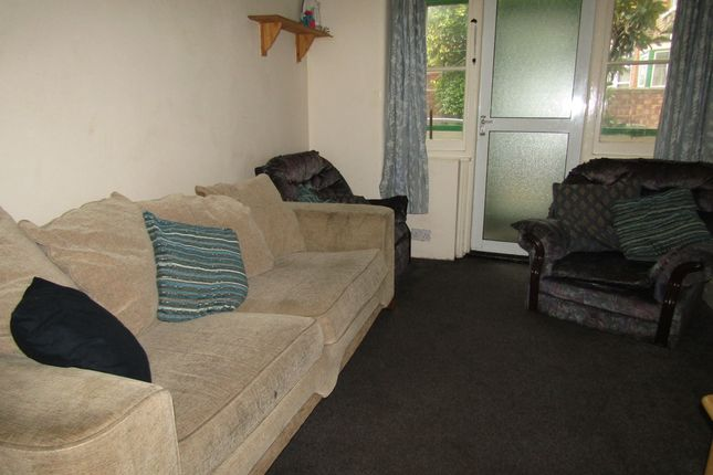 3 bed terraced house to rent in Haslemere Road, Southsea, Hampshire