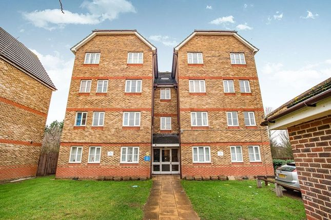 Thumbnail Flat for sale in Woburn Close, North Thamesmead, London