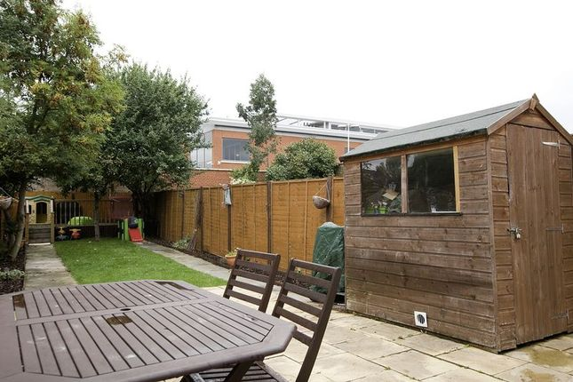 Thumbnail Flat for sale in Hainault Road, Leytonstone, London