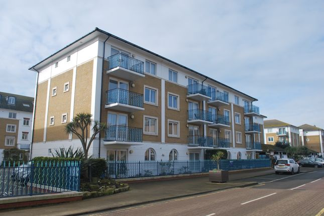 2 bed flat for sale in Merton Court, Brighton