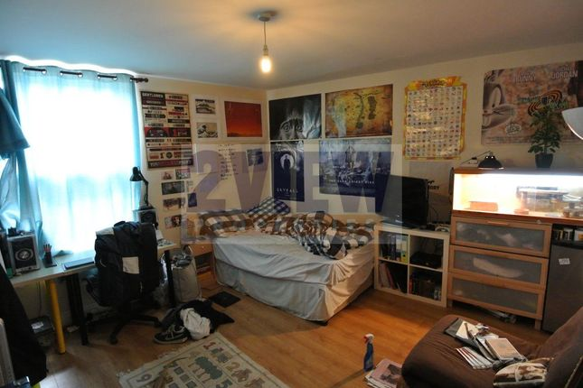 Thumbnail Flat to rent in Ebberston Terrace, Leeds, West Yorkshire