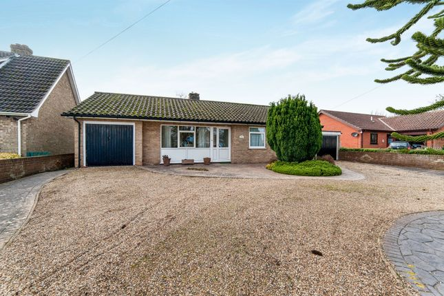 Thumbnail Detached bungalow for sale in The Street, Hepworth, Diss