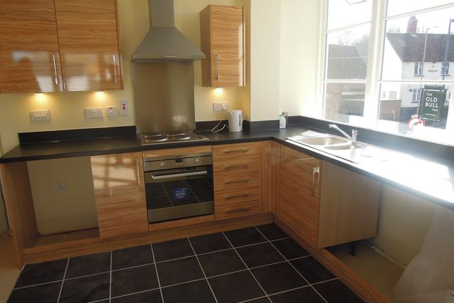 2 bed flat to rent in Market Hill, Royston
