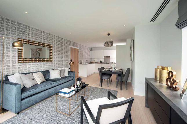 Thumbnail Flat for sale in Cherry Orchard Road, East Croydon
