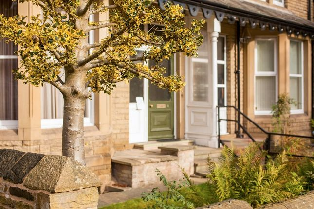 Thumbnail Town house to rent in Mountjoy Road, Huddersfield