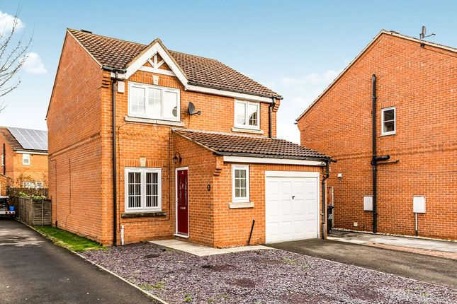 Thumbnail Detached house to rent in Chepstow Drive, Leeds