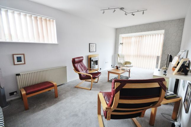 Thumbnail Flat for sale in Rayleigh Road, Thundersley, Essex