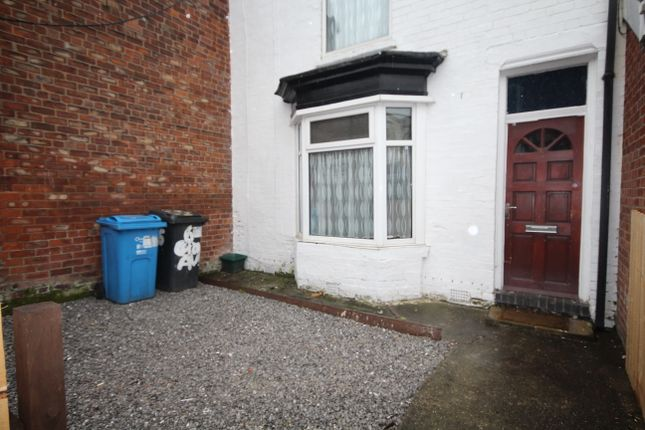 Thumbnail End terrace house to rent in Coronation Avenue, Rustenburg Street, Hull