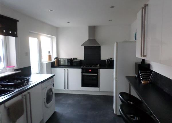 Thumbnail Property to rent in Westminster Road, Ellesmere Port