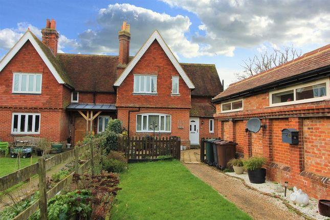 Thumbnail Cottage for sale in Kennington, Ashford, Kent